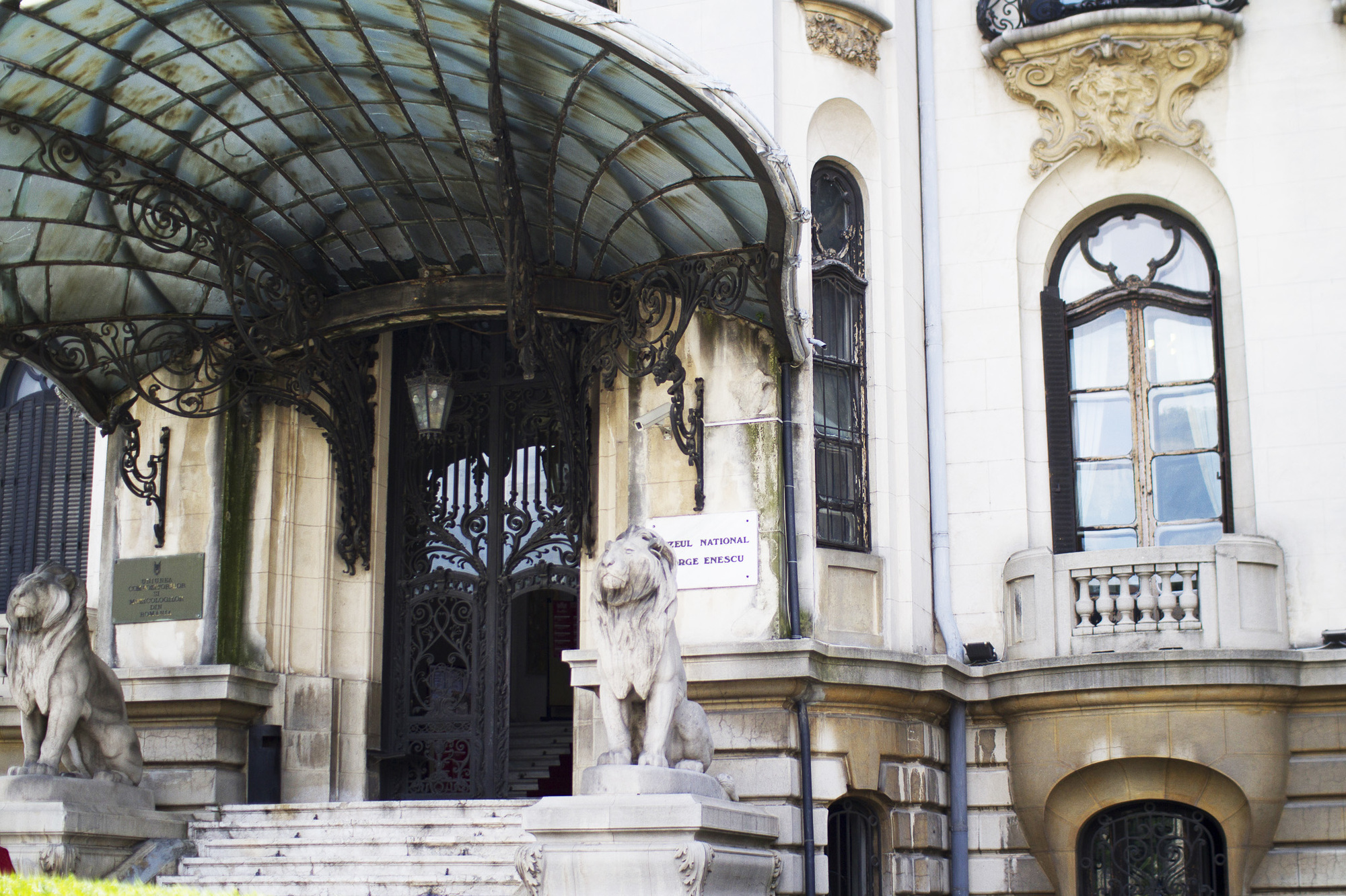 5 architecture influences in bucharest a city made by people for Architecture art nouveau