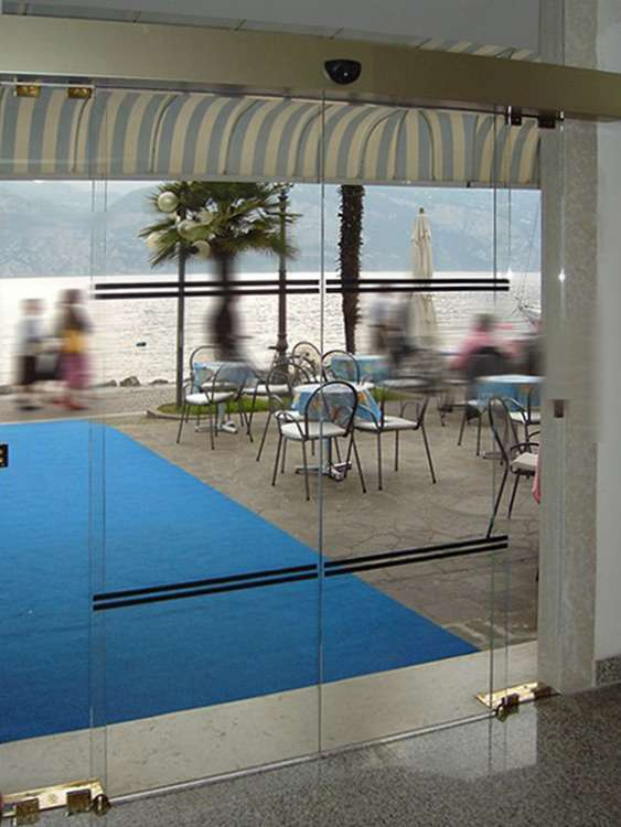 Porte automatiche in vetro - Arco - Trento - Santoni VetriSantoni ...