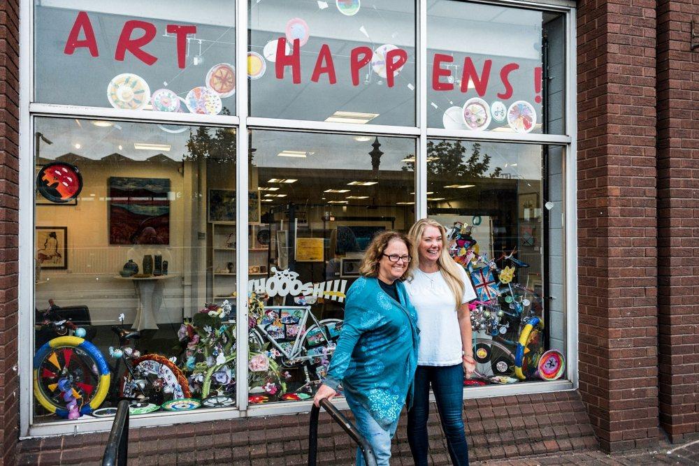 Altrincham Open Studios win 'Bike Themed Window Competition' organised by Altrincham BID