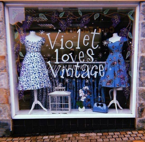 Violet Loves Vintage