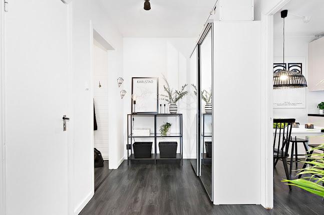 black-floor-2