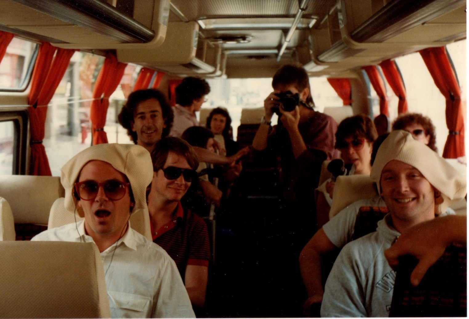 supertramp on a bus 83