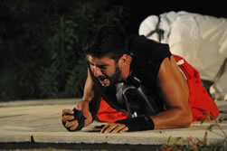2012-ΝΙΚΟΛΑΣ ΑΡΚΑΔΙΟΥ ως Αγγελοιοφόρος στους ΠΕΡΣΕΣ του Αισχύλου (Persians - Tradegy)