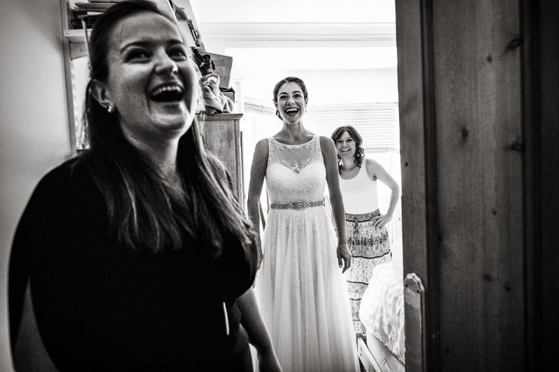 Relaxed candid London wedding photographer