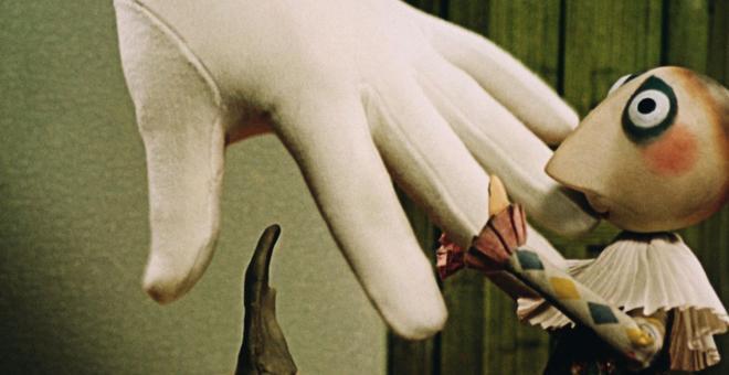 1321-trnka_the-hand