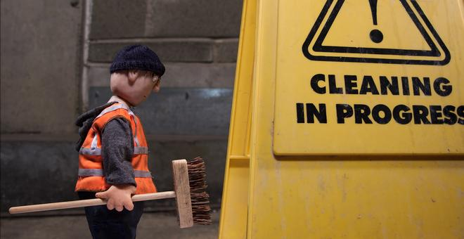 3977-grant_holden_cleaning_in_progress_still_03_300dpi
