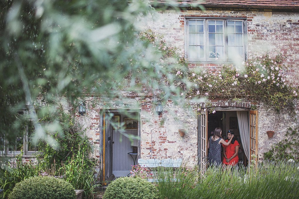 Sussex family home wedding photography 001