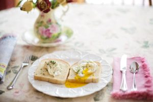 poached-eggs-on-toast-739401