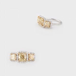 Splendid inel din aur alb, decorat cu diamante albe şi galbene (piatra centrală 2,2 ct), însoţit de atestate EGL USA şi AIG, cu estimarea consemnată în certificatul AIG Gem Laboratory, datat 2013,  la 113.600 $
