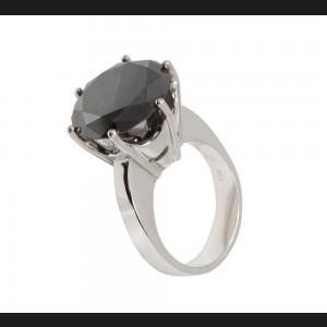 """Inel """"solitaire"""" din aur alb, decorat cu un mare diamant negru"""