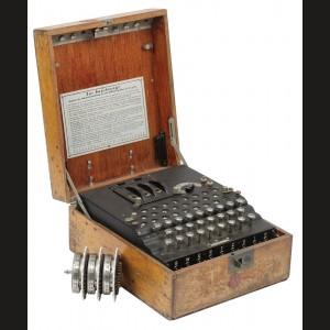 """Mașină de criptat """"Enigma"""", folosită de armata germană în timpul celui de-al Doilea Război Mondial, piesă de muzeu, extrem de rară"""