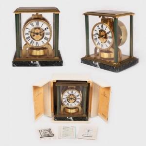 Ceas de birou,  Jaeger-LeCoultre, în cutie originală, însoţit de certificat de autenticitate