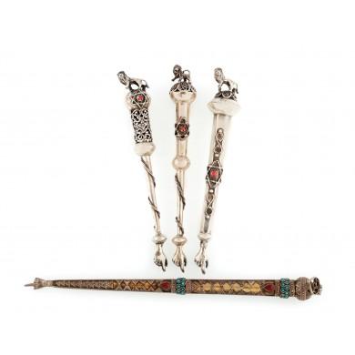 Lot format din patru yaduri din argint, decorate cu steaua lui David, prima jumătate a sec. XX