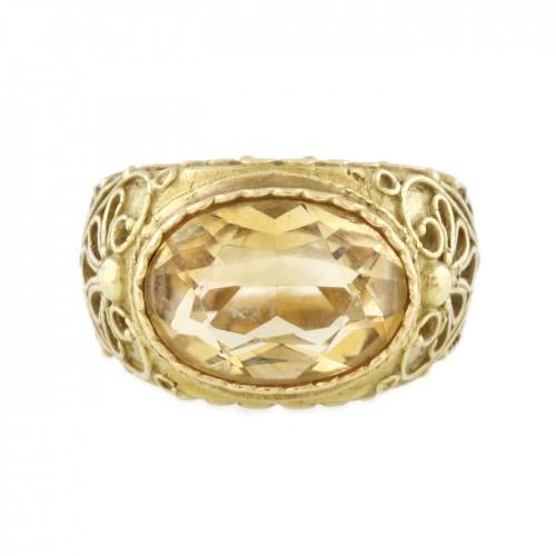 Impresionant inel din aur, decorat cu citrin