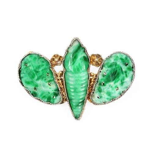 Broșă fluture-de-mătase, din jadeit verde-smarald și argint aurit, perioada Guangxu, China, cca. 1875-1908