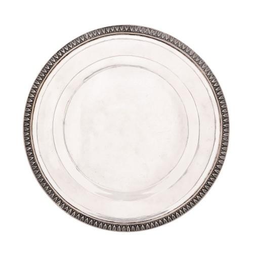 Platou din argint, cu decor Neoclasic, perioada interbelică