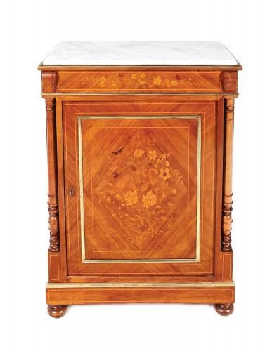 Comodă în manieră Neo-Clasică, din lemn, cu decor floral marchetat