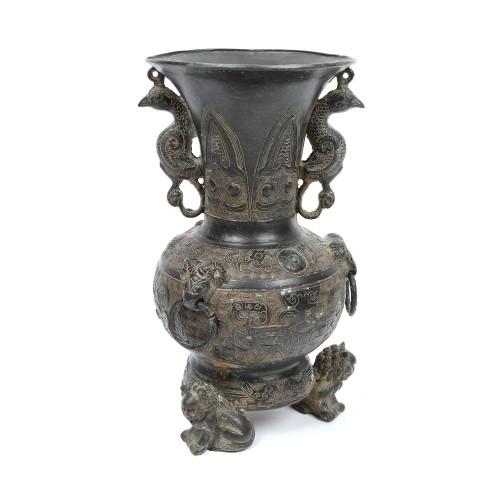 "Vas ritualic din bronz de tip ""Zun"", decorat cu motive abstracte și animaliere, perioada Ming, China, sec. XIV-XVII"
