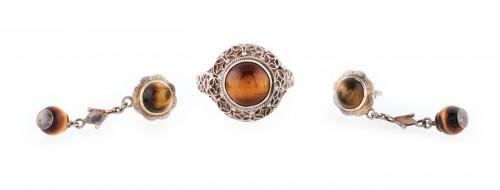 Set format din inel si pereche de cercei din argint, decorat cu ochi-de-tigru