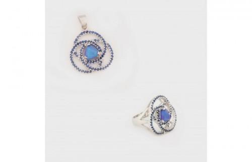 Set format din inel și pandantiv, din argint, decorat cu opale și safire