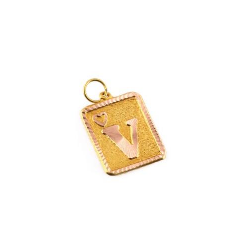 "Pandantiv din aur, decorat cu litera ""V"""