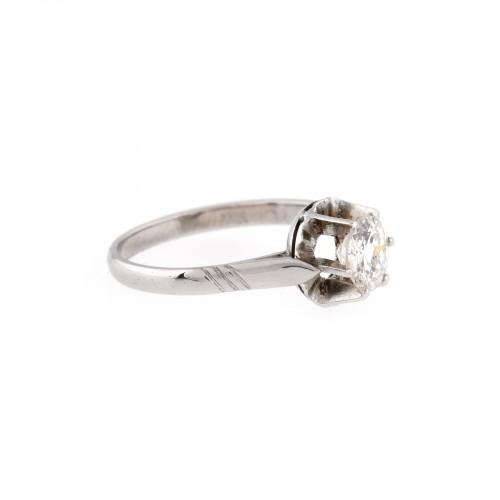 Inel din aur alb, ornat cu diamant