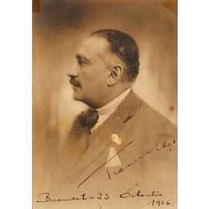 Fotografie a omului politic și avocat Grigore Trancu-Iași, purtând semnătura olografă, provine din colecția Corneliu Vadim Tudor