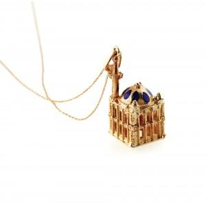 Pandantiv-mărțișor, moschee din aur, decorat cu email albastru