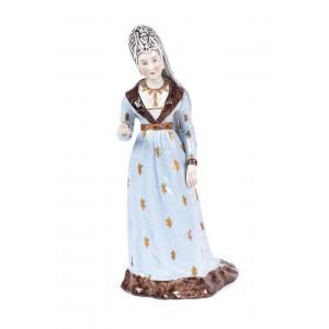 Figurină din porțelan, în manieră Sèvres, reprezentând nobilă cu mantie, provine din colecția academicianului Zeno Popovici