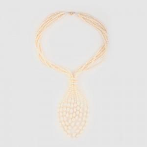 Extravagant colier decorat cu multiple șiraguri de perle