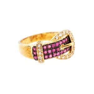 Inel în formă de cataramă, decorat cu rubine și quartz