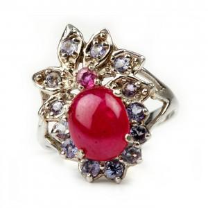 Inel decorat cu rubine și tanzanite