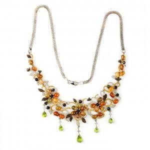 Opulent colier cu opale caboșon și peridote