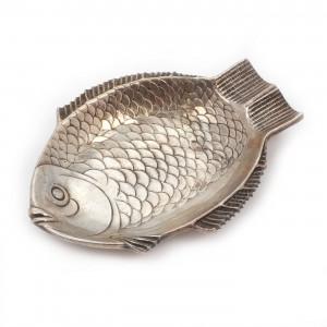 Scrumieră din argint, în formă de pește