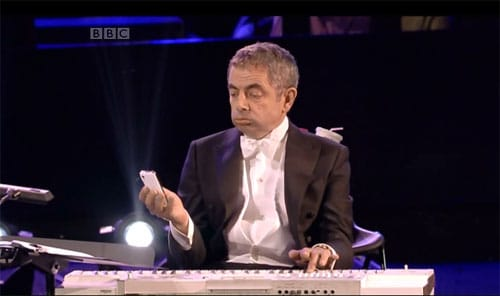 The LSO and Chariots Of Fire by Vangelis featuring Mr Bean
