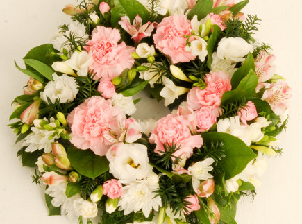 Traditional circular wreath