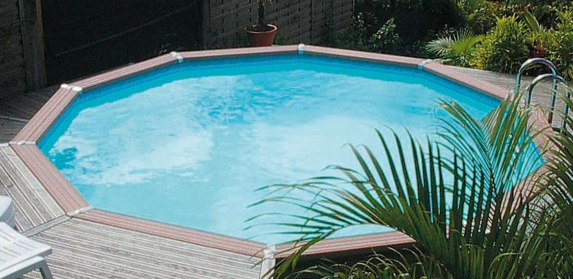 Terrasse avec piscine hors sol affordable jolie piscine for Terrasse composite autour piscine