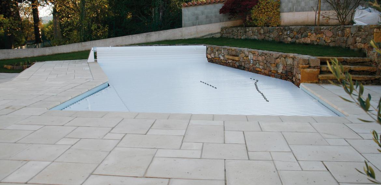 volet de s curit piscine hors sol ou immerg s plus de. Black Bedroom Furniture Sets. Home Design Ideas