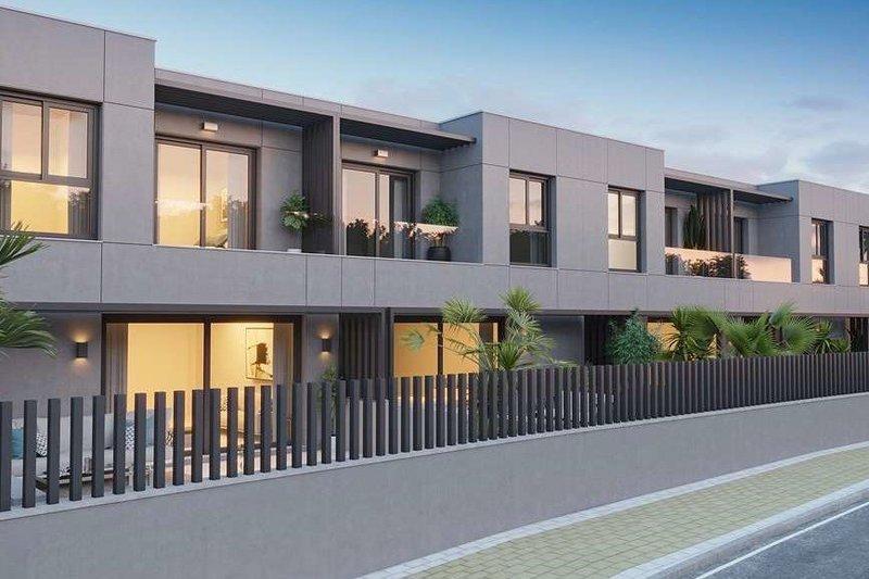 Ref:1008MLND Townhouse For Sale in Estepona