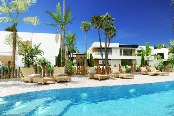 Ref:1001MLND Townhouse For Sale in Marbella
