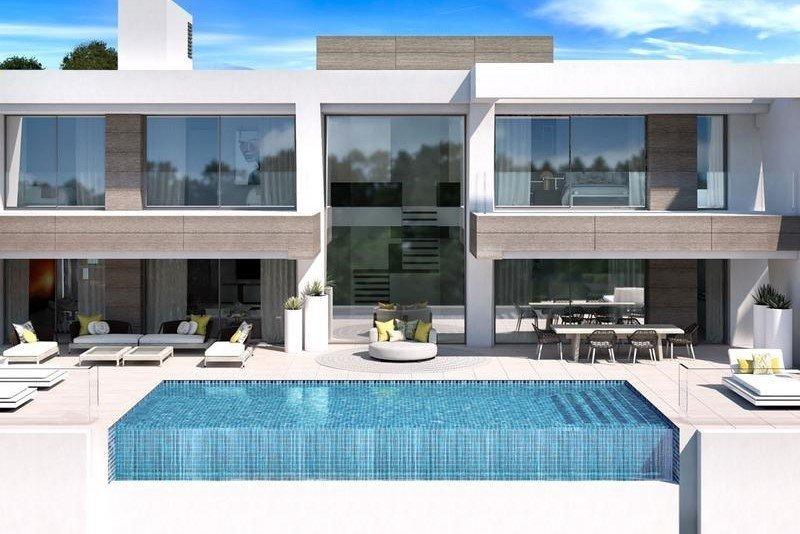 Ref:1237MLND Villa For Sale in Estepona