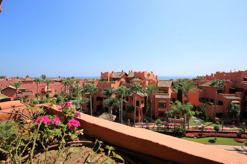 Ref:2581MLA Apartment For Sale in Estepona