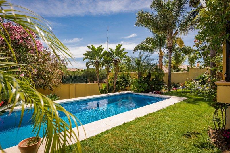 Ref:2285MLV Townhouse For Sale in San Pedro Alcantara