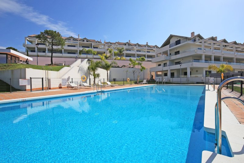 Ref:2776MLPH Penthouse For Sale in Estepona