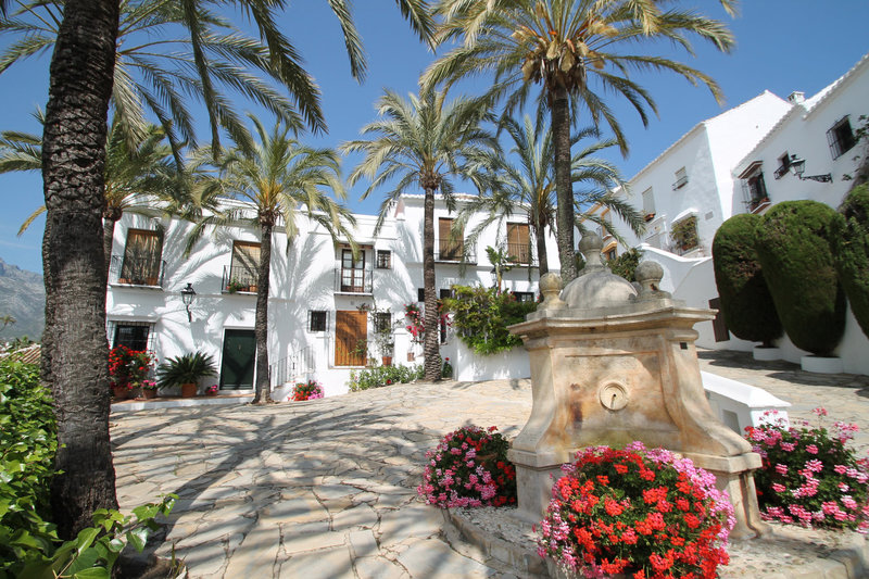 Ref:2492MLTH Townhouse For Sale in Marbella