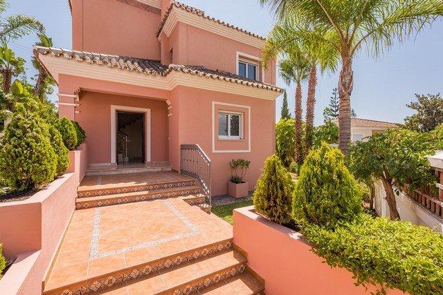 Ref:1942MLV Villa For Sale in San Pedro Alcantara
