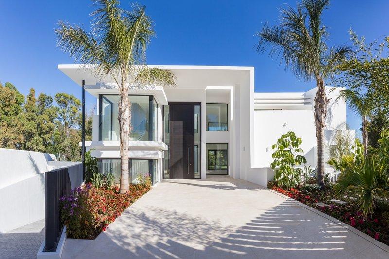 Ref:2180MLV Villa For Sale in Estepona