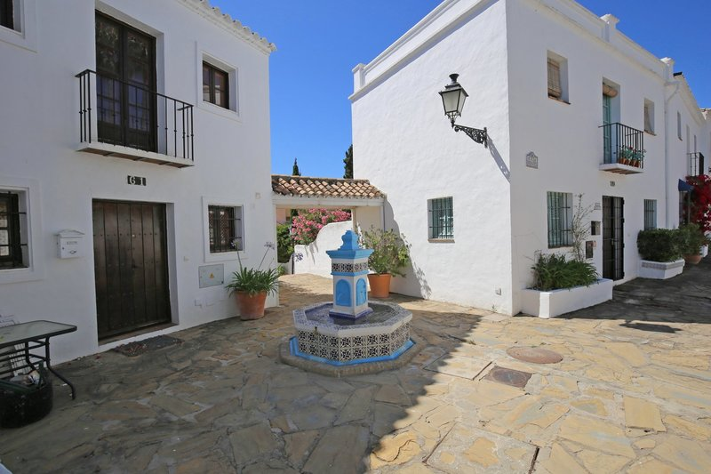 Ref:2841MLTH Townhouse For Sale in Marbella