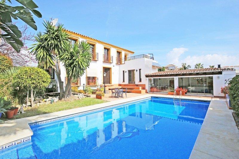 Ref:2772MLV Villa For Sale in San Pedro Alcantara