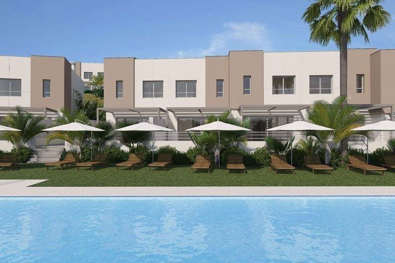 Ref:1037MLND Townhouse For Sale in Estepona